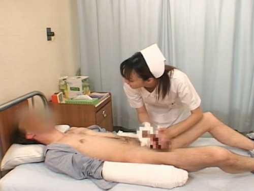 手をケガした外国人患者を手コキ「JustniceGreat」褒められデカチンを射精に導く看護婦