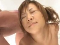 グラビア撮影でバイブを挿入してもいい表情が撮れず「ぶっかけやるか?」連続顔射