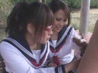 チ〇ポを測る制服女子「もっと大きくなるのかな?」2人でシコシコ「熱いよ!」発射【希咲エマ】