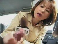 自動車教習者逆セクハラ事件を再現「こんな風にされたんですか?」レポーターの手コキで発射