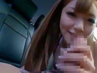 超ミニ娘とドライブ「勃ってきちゃったんだけど..」路肩に止めて車内フェラ【三浦芽依】