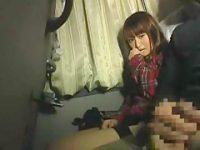 夜行バスで女性の隣に座りセンズリ!思わず股間に頭を埋めてフェラ抜きしてくれる【高倉舞】