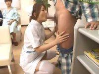 院内でどこでも吐精処理!先輩のお手本を見て患者のチ〇ポをしゃぶりまくる新人看護婦