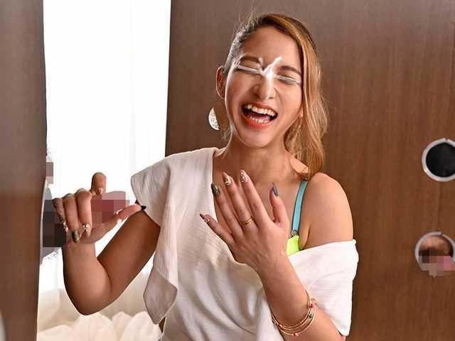 渋谷のギャル女子大生が壁ち○ぽの即ヌキに挑戦!5