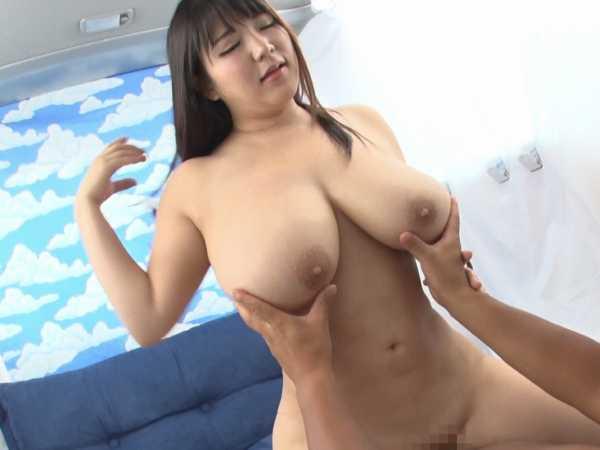 ナイスバディの美女厳選生中筆おろしSPECIAL!5