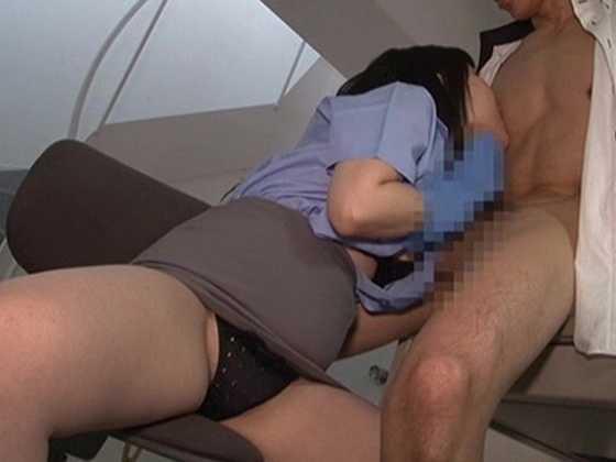 ゴム手袋手コキマゾ射精4